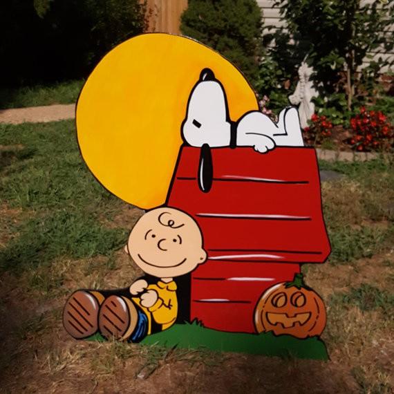 Charlie Brown Halloween Door Decorations  from mountpleasantacademy.org